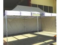 Komercio telts, Zirgustallis